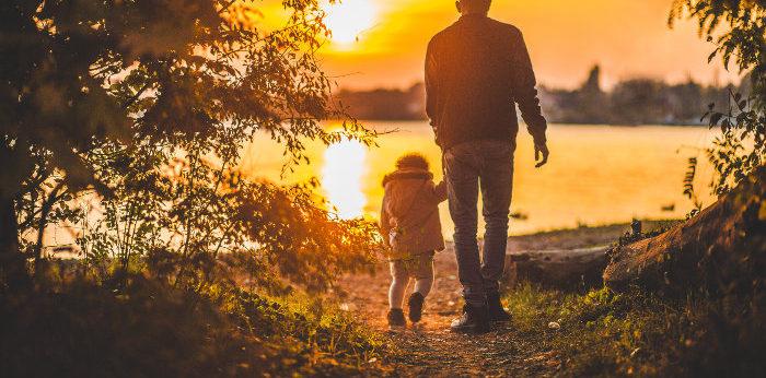 Compito dei genitori è donare due cose ai figli: Le radici e le ali